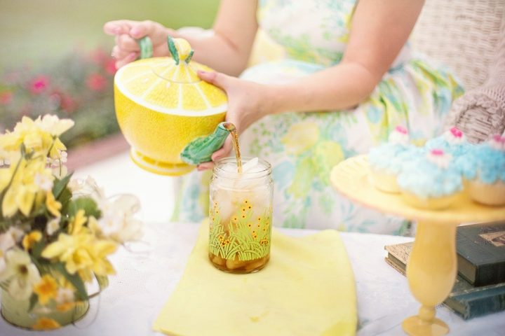 cooling the body down for summer with iced tea