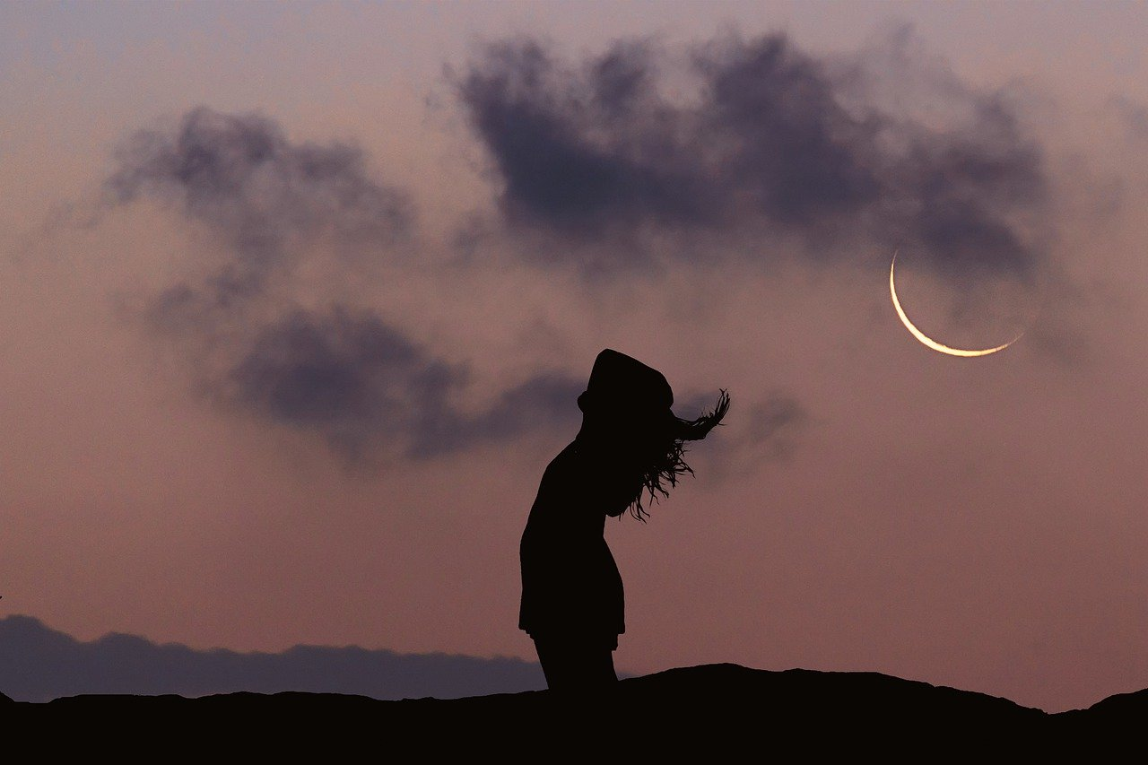 your period and the moon cycle